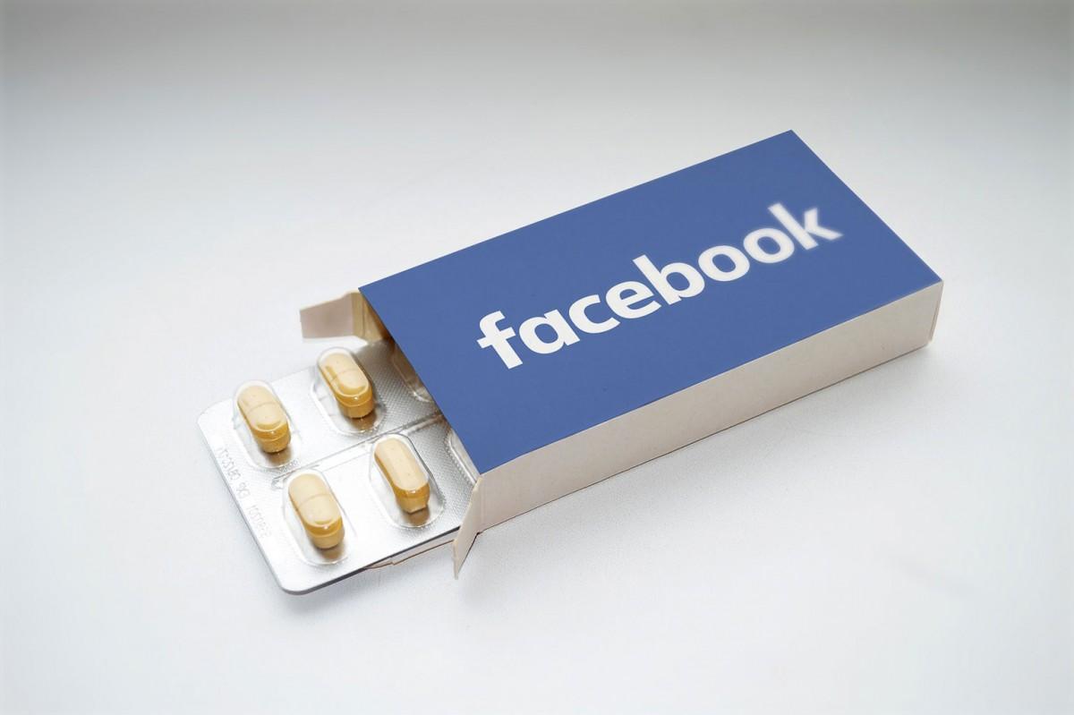 facebook-2387089_1920